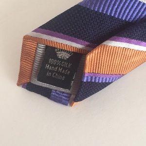 countess mara Accessories - NWOT Countess Mara 100% silk tie